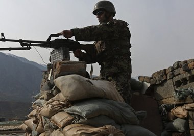 afghan-military-outpost-09-apr-15