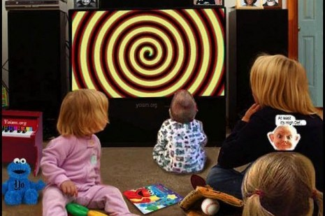 HypnotizedTelevisionFamily_thumb