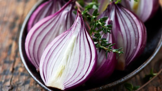 Onions for Hair Fall: An Inexpensive Way to Promote Hair Growth – NDTV Food