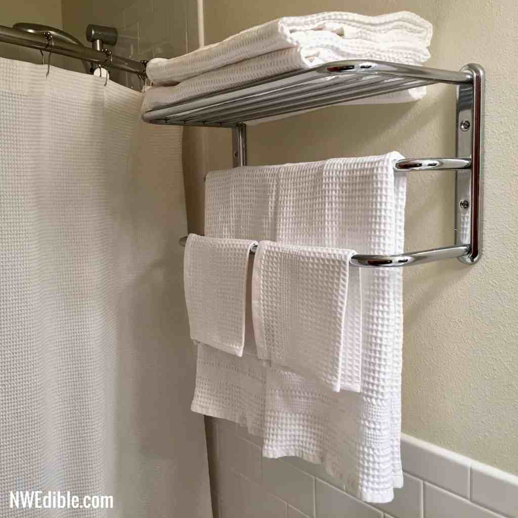 Waffle_Weave_Towels_On_Rack