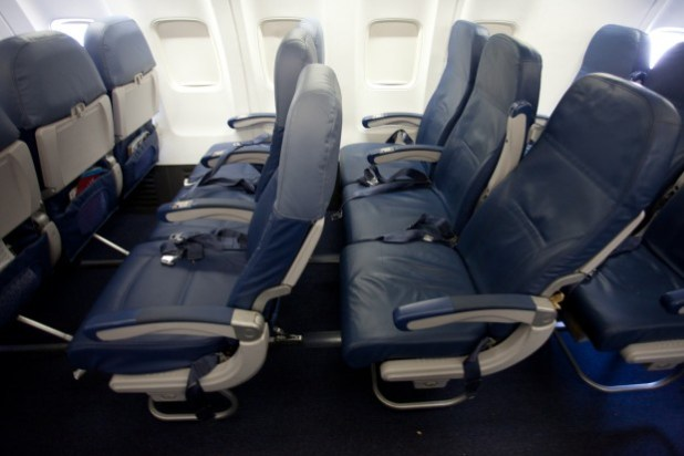 Economy Row Vs Coach On Delta 737 800 Photo By Jeremy Dwyer