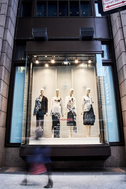 parsons_fashion_window_display_015