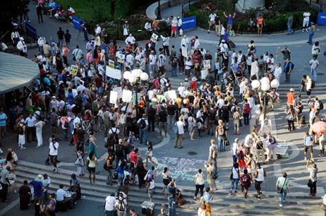 [GALLERY] New Yorkers stand with Trayvon Martin