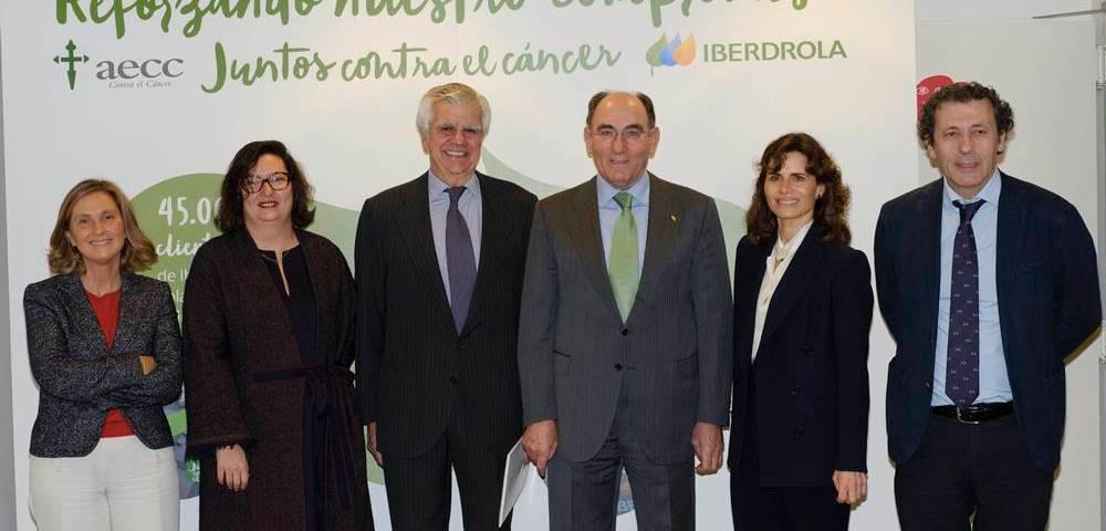 La AECC e Iberdrola renuevan su contrato de colaboración hasta 2020. / Foto: José Ramón Ladra.