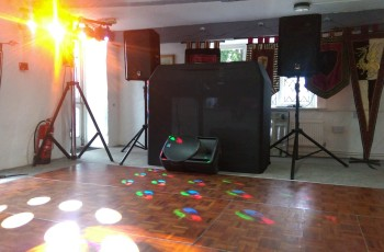 Obsession_entertainment_wedding_photography_wedding_dj_wedding_disco_drapes_lighting_equipment_higher_childrens_party-0004