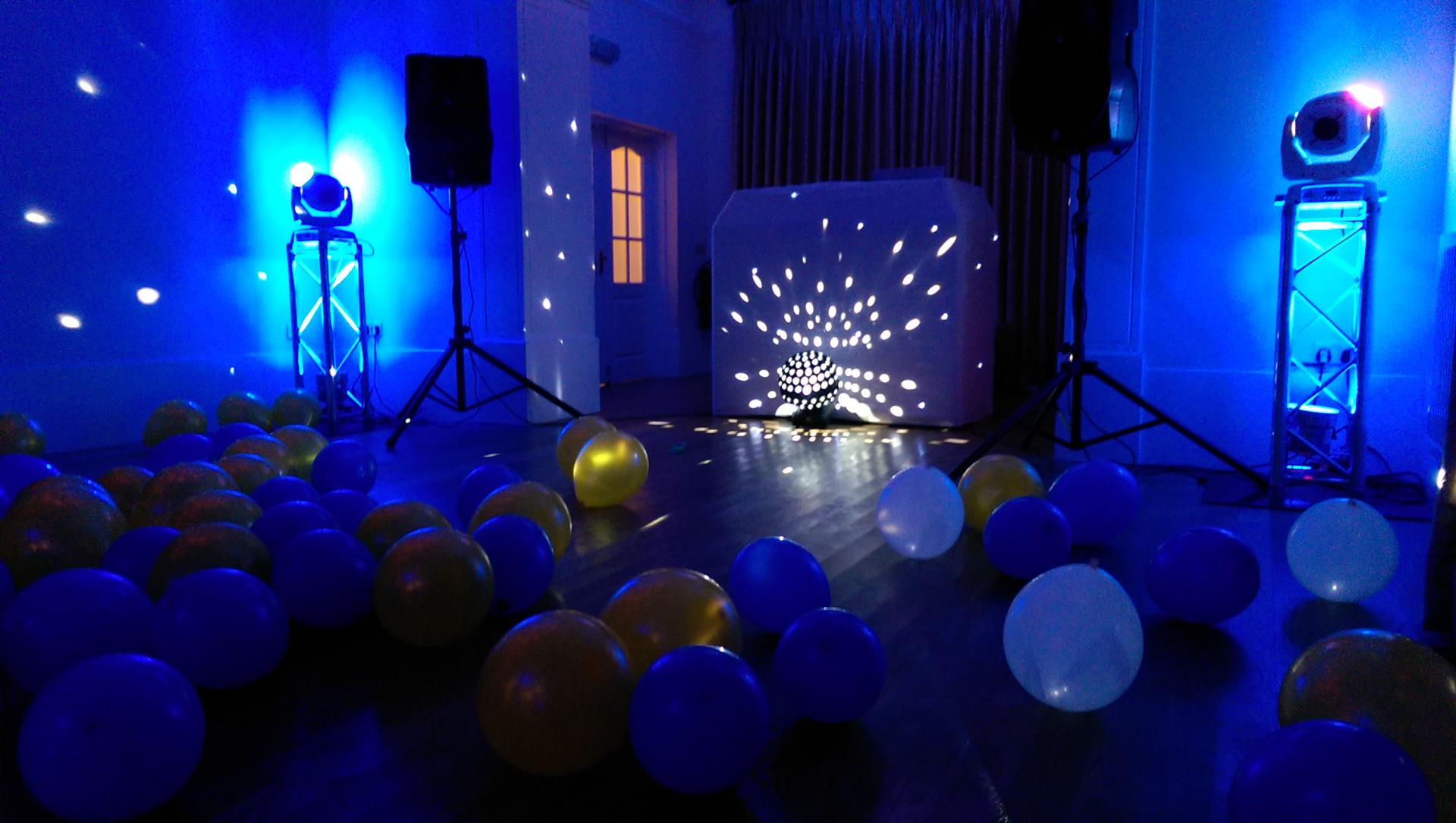 Obsession_entertainment_wedding_photography_wedding_dj_wedding_disco_drapes_lighting_equipment_higher_childrens_party-0072