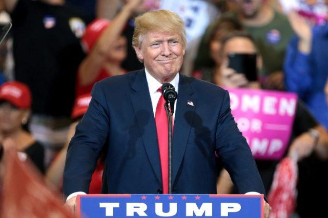 Trump em campanha no Arizona, em outubro. Foto: Gage Skidmore/Flickr