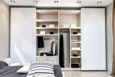 The modern wardrobe with sliding doors-both practical and ...