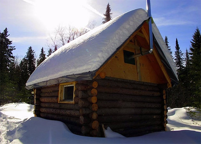 off-grid-cabin-in-the-woods4