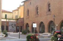 Venerdi alla mostra sponsorizzata dalla Fondazione Cr Tortona ci sarà un film
