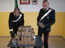 Stazzano, i carabinieri trovano 55 Kg di hashish in una macchina, spacciata avrebbe fruttato 500 mila euro