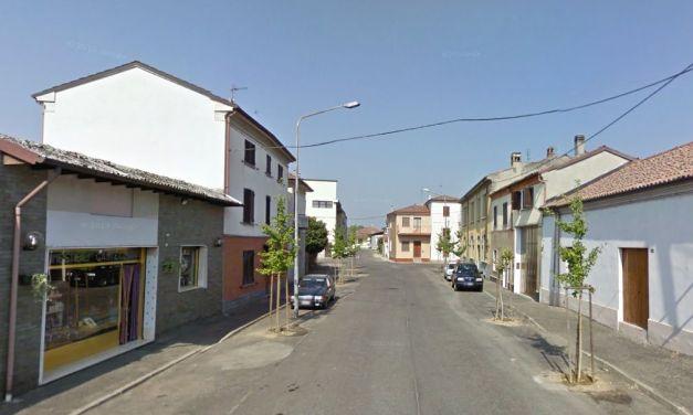 Brucia una casa a Sale in via Cavallotti, pensionato in ospedale
