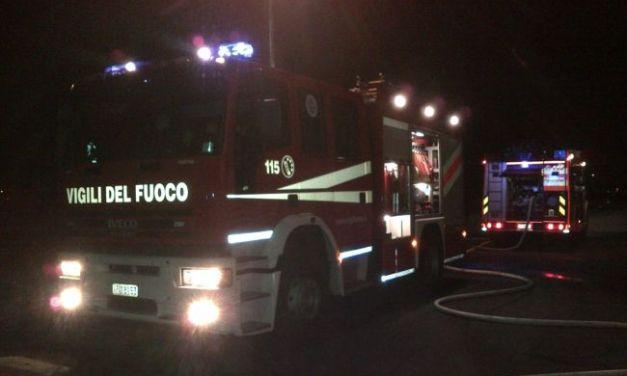Allarme chimico ad Ovada per un camion in fiamme. Interviene l'Arpa