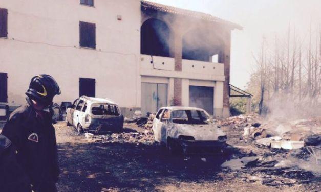 Incendio a Predosa, danni ad una casa e a due auto