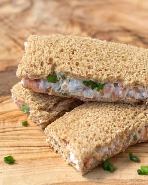 500x625-smoked-salmon-tea-sandwich