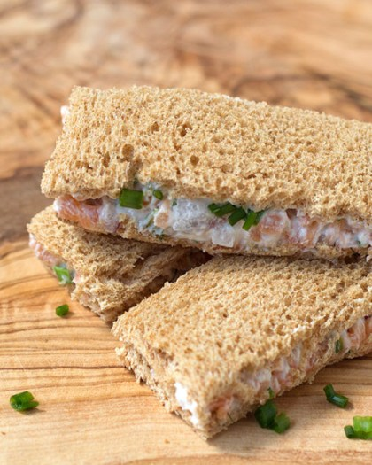 500x625-smoked-salmon-tea-sandwich