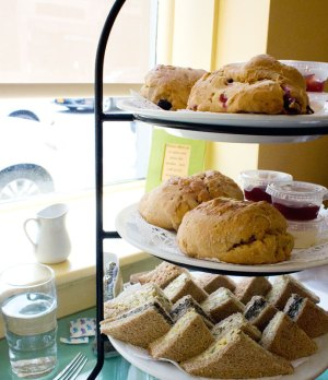0813_afternoon_tea_silver_tips_tea_2