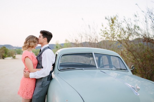 vintage-inspired e-session from Mozi Photography