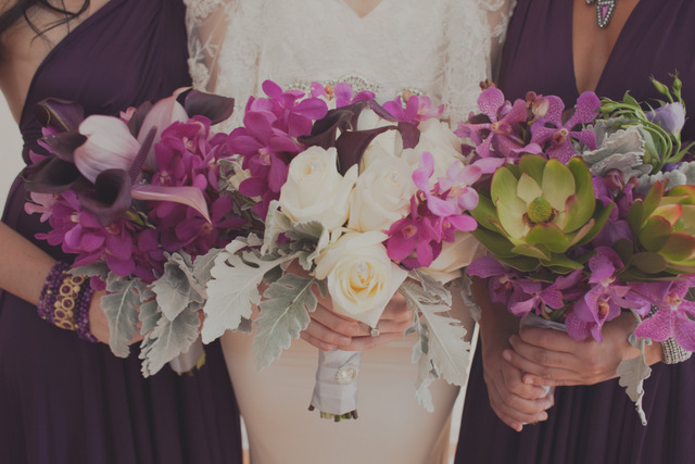 purple bouquets in this modern wedding inspiration shoot | roey mizrahi events and amber gress photography