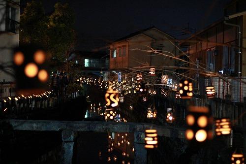 豆田町桂林荘公園の竹灯籠