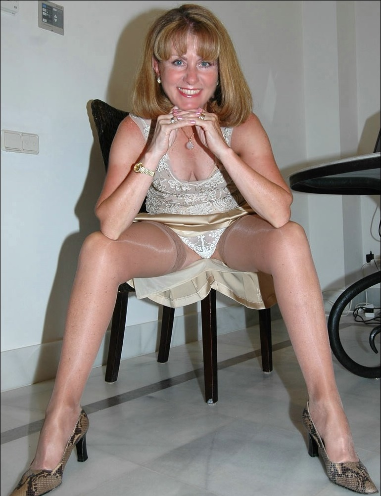 Not Stockings on hot wife sitting share your