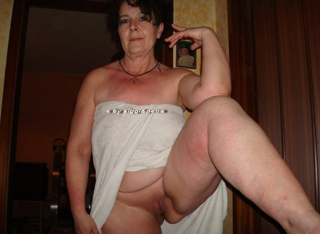 image Chubby mature woman enjoys hardcore fuck