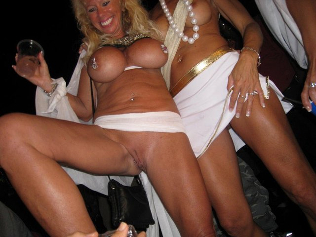 topless boat party