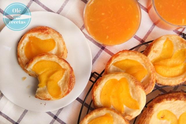 pastelitos de hojaldre con crema de mascarpone