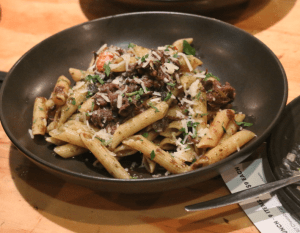 Lounge Kitchen & Bar - Red wine beef ragu