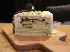 Sweetie and Moustache - Green tea and red bean crepe cake