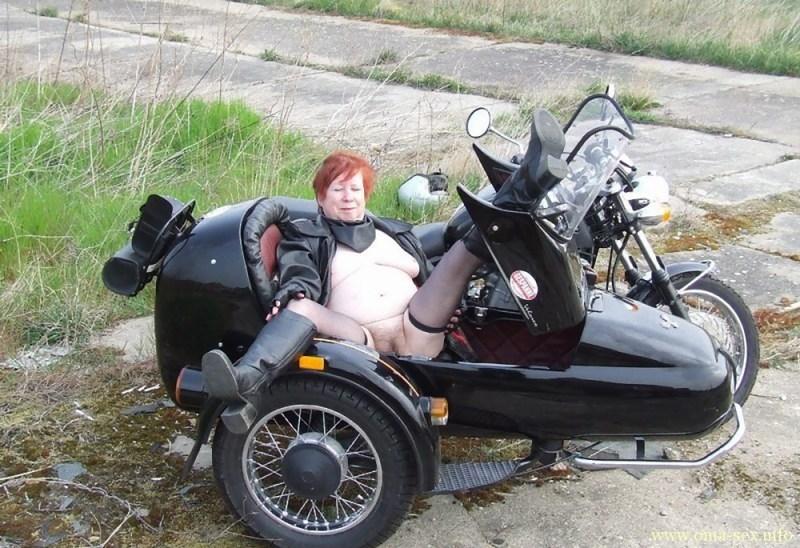 Biker Oma