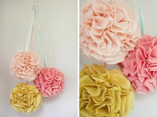 hanging pom pom2 Weekend DIY | Flower Tutorials Roundup!