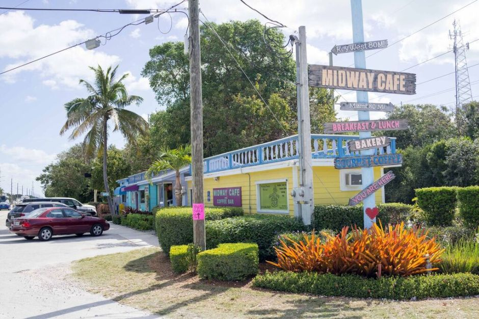 Islamorada; Midway Cafe; The Keys