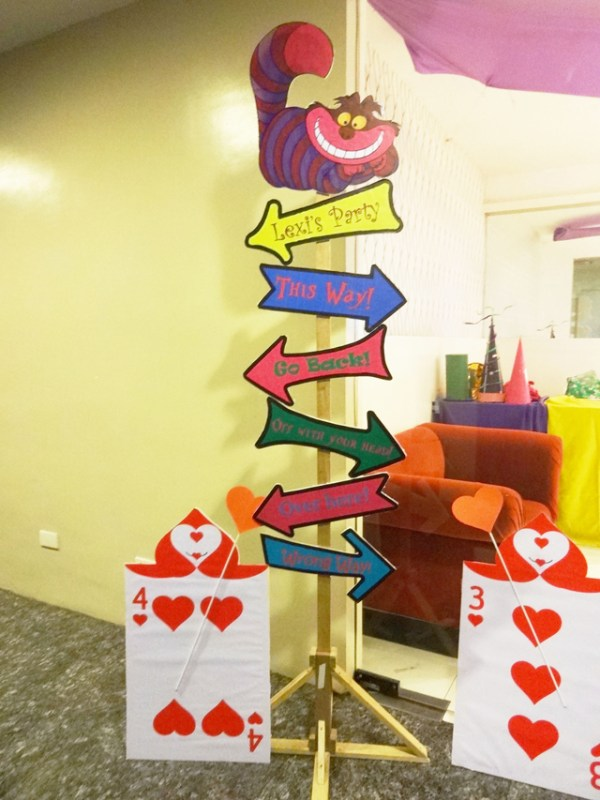 Alice in Wonderland Themed Party - 11