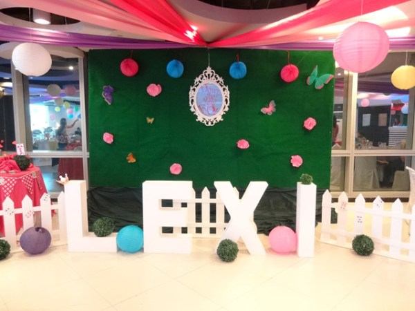 Alice in Wonderland Themed Party - 19