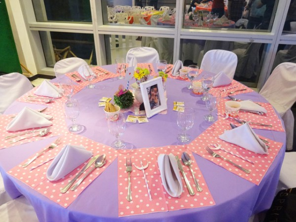 Alice in Wonderland Themed Party - 24
