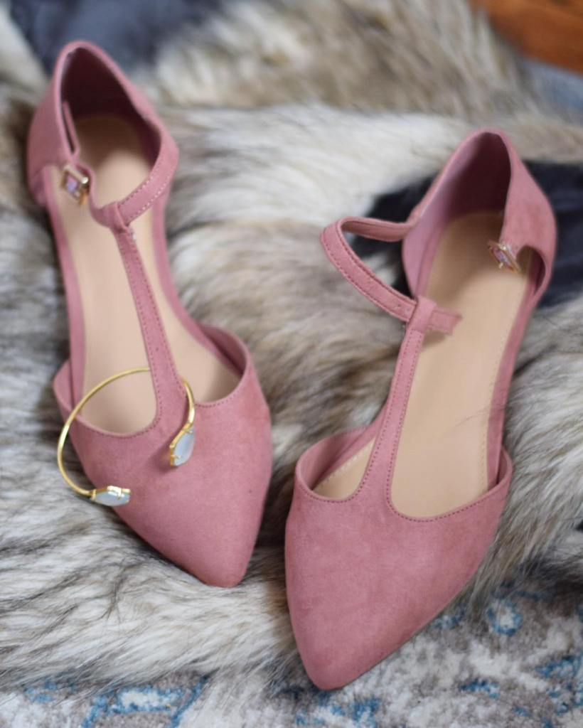 Putting on my new ballerina shoes to meet some newhellip