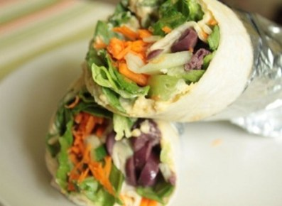 lunch hummus wrap