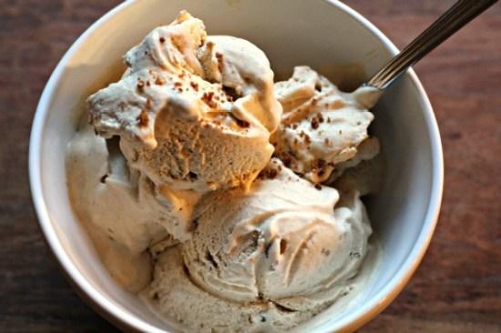 Homemade-Ice-Cream-Pumpkin-Gingersnap-Ice-Cream-Recipe