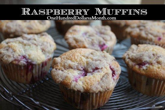 Raspberry Muffins with Crumb Topping