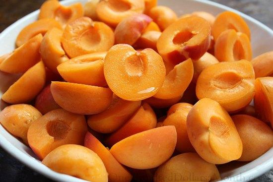 apricots fresh sliced
