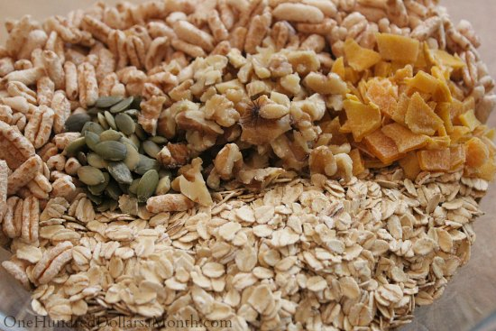 Granola with Walnuts, Pumpkin Seeds and Mango