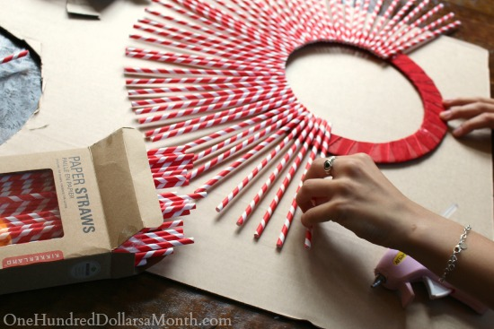 DIY Paper Straw Wreath directions