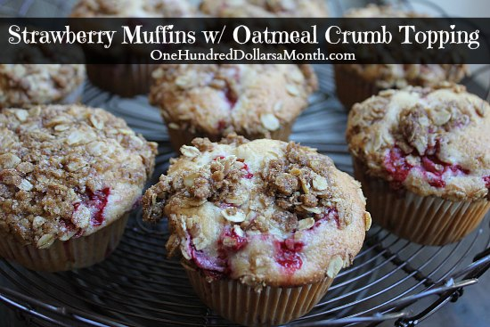 Strawberry Muffins w/ Oatmeal Crumb Topping – The oatmeal crumb ...