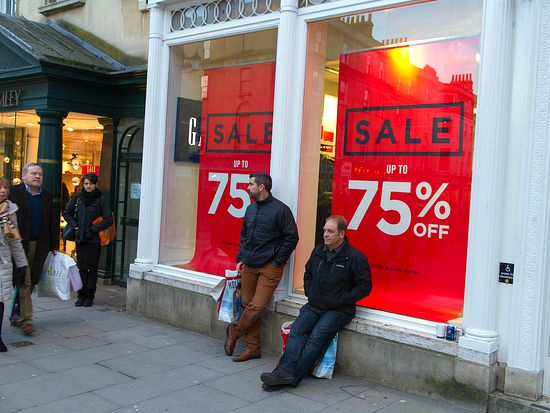 How Not To Overspend This Holiday Season