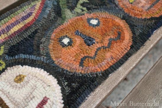 primitive-pumpkin-hooked-rug