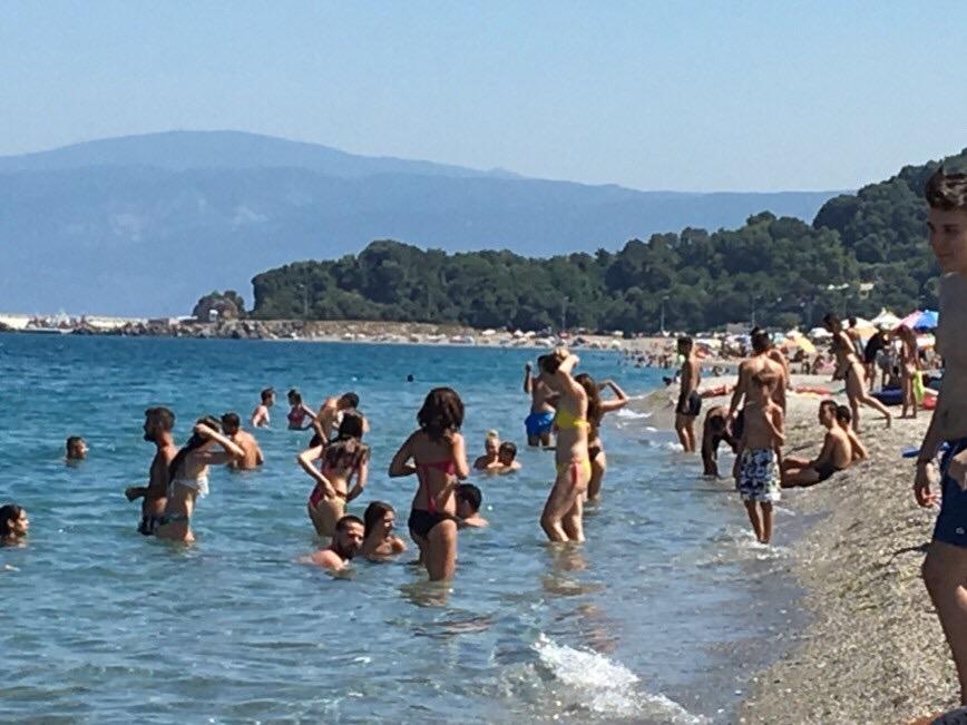 Το αδιαχώρητο στις παραλίες της Λάρισας (φωτό)