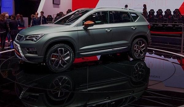 SEAT v Paríži predstavuje svoju produktovú ofenzívu 2017 a ukazuje technologicky inovatívny stánok