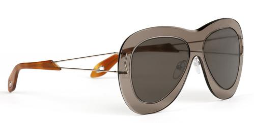 "24def9bc5 نظارة شمسية من "" جيفنشي "" بسعر 295 يورو أي ما يعادل 328 دولار أمريكي."