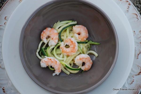Mandoline Keuken Review : : Spicy garnalen met courgettespaghetti – Onze Franse keuken